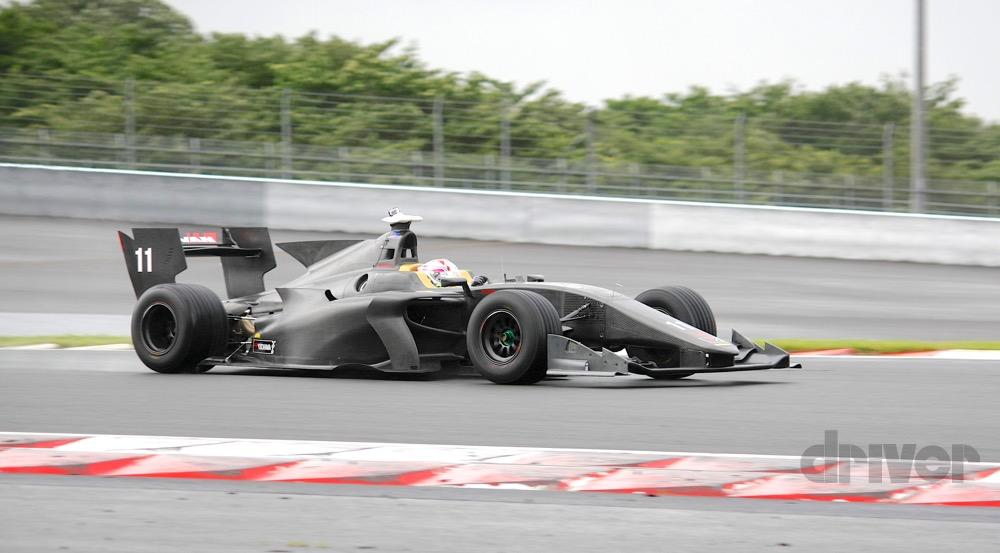 F1マシンよりもカッコいい!? 来季スーパーフォーミュラのSF19公開 ...