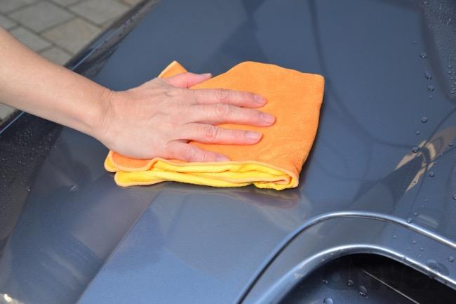 ●自分で施工をするタイプのコーティング剤ならば、拭き上げ作業にも快適に使える