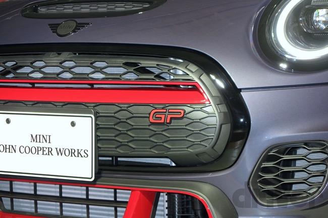 ●ミニ ジョンクーパーワークス GP。フロントグリルにはGPのロゴが付く