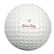 ●ブリヂストンが戦前に行っていたゴルフボール製造は1951年に復活。ブルースカイ(写真)とスカイウェイの2種類を発売した。自転車でも1960年代終盤からスポーツ車の名前として使用